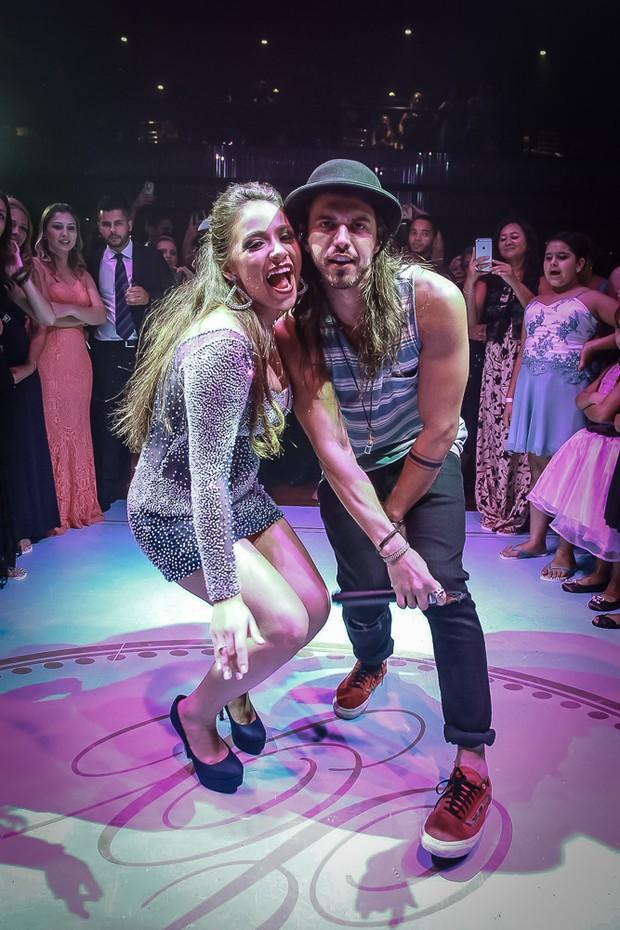 MC Gui efaz show em festa de debutante de de Isabela Xavier (Foto: Raphael Castello/AgNews)