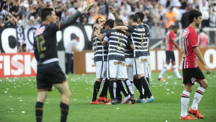 Corinthians x São Paulo denis lucca ralf (Foto: Marcos Ribolli)