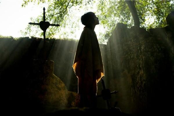 Cemitério campeiro com 200 anos foi a locação escolhida para as 1ª cenas com Cesar Trancoso (Foto: Albert Moreira)