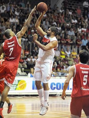 Olivinha Flamengo basquete jogo Paulistano NBB (Foto: Alexandre Vidal / Fla Imagem)