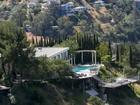 Beverly Hills avalia multa para quem encher piscina em meio a seca