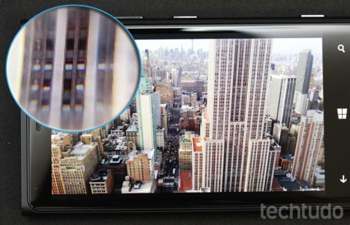 Tela do Lumia 920: qualidade HD e tecnologia PureMotion merecem destaque  (Foto: Allan Melo / TechTudo)