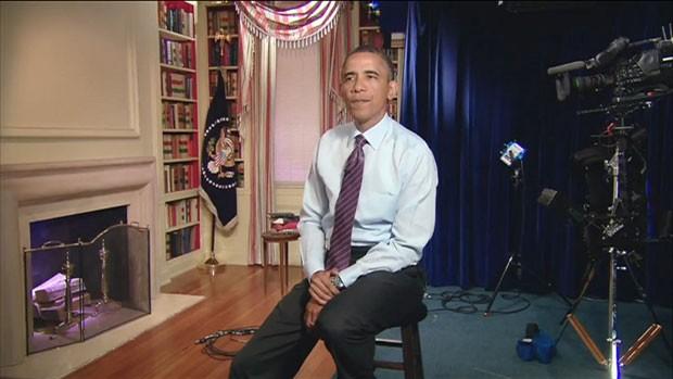 Obama se fingiu de ator para uma paródia apresentada no jantar (Foto: BBC)