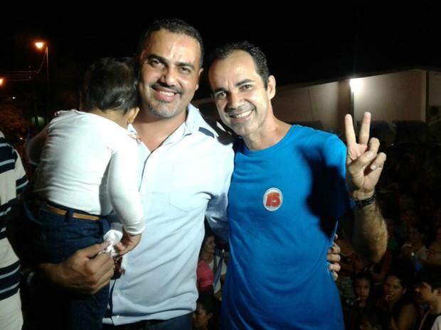 Ilderlei Cordeiro comemorou com festa após vitória em Cruzeiro do Sul  (Foto: Adelcimar Carvalho/G1)