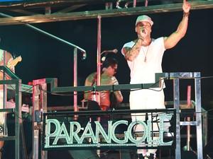 Tony Salles lidera banda Parangolé pela primeira vez no carnaval  (Foto: Mauro Zaniboni /Ag Haack)