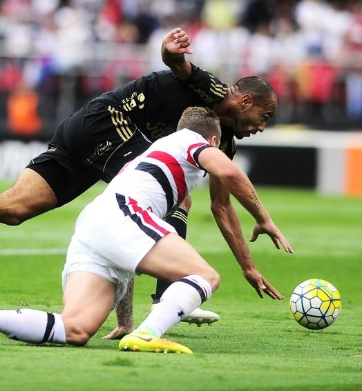bola pune (Marcos Ribolli/GloboEsporte.com)
