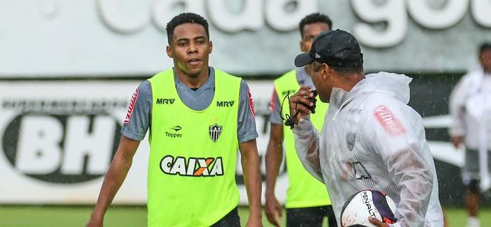 Elias e Roger, Atlético-MG (Foto: Bruno Cantini / Atlético-MG)