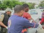 Suspeito é espancado após agredir idoso em feira livre de Petrolina, PE