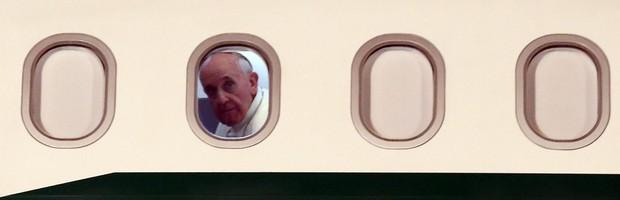 Papa se despede do Brasil com   'até breve' e diz que já sente saudades (Fabio Motta/Estadão Conteúdo)