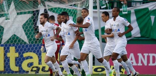 Lucas Lima faz gol na Chapecoense (Foto: Márcio Cunha/Mafalda Press/Estadão Conteúdo)