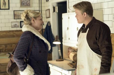 Kirsten Dunst e Jesse Plemons na segunda temporada de Fargo (Foto: FX)