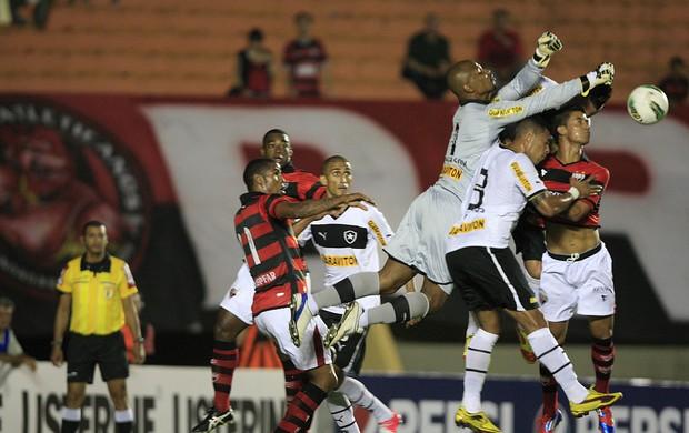 Atlético-GO x Botafogo (Foto: O Popular)