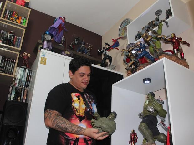 Designer gráfico começou a colecionar os bonecos em 2013 (Foto: Gustavo Almeida/G1)