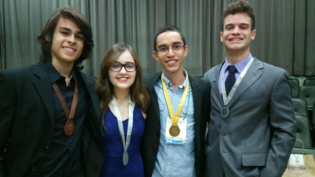 Caio Adamian, Beatriz Marques, Bruno Gomes e Bernardo Collaço (Foto: Divulgação)