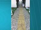 Após polêmica no PR, tapete de Natal é retirado de cima de piso para cegos