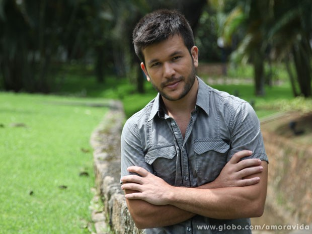 Werles Pajero chamou a atenção como o mecânico gato da novela (Foto: Carol Caminha / TV Globo)