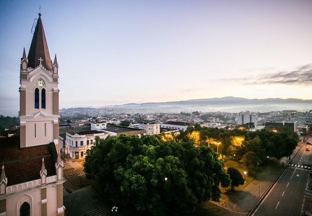 Vista da Igreja Matriz de São João de Boa Vista, localizada na Praça da Catedral, região central (Foto: Edson Lopes Jr./A2 Fotografia/Flickr Governo do Estado de S. Paulo)