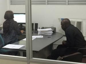 André Luiz prestou esclarecimentos na Delegacia de Defraudações, em Natal. (Foto: Jocaff Souza/GloboEsporte.com)