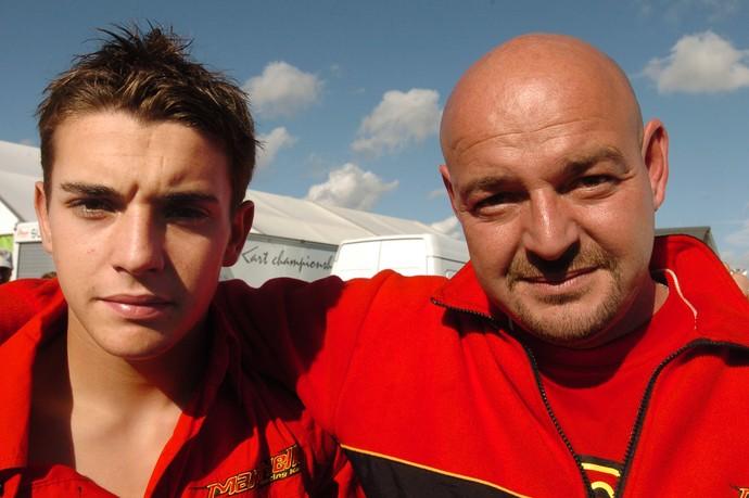 Jules Bianchi com o pai Philippe, na época que ainda corria de kart (Foto: AFP)
