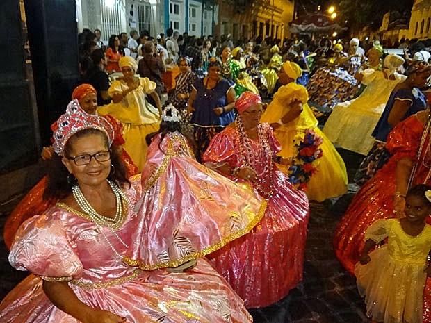 Desfile terminou no Largo do Rosário dos Homens Pretos (Foto: Luna Markman/G1)