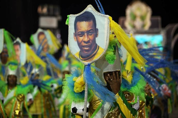 Estandarte Pelé (Foto: Marcos Ribolli)