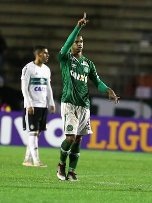 Bruno Rangel, Coritiba x Chapecoense (Foto: Geraldo Bubniak/AGB/Estadão Conteúdo)