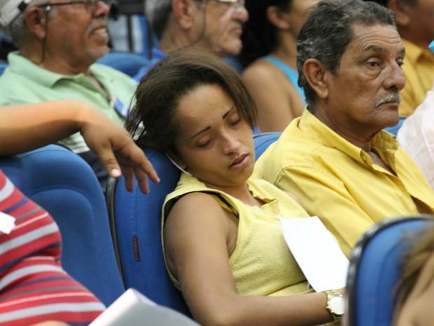 Longo tempo de leituras causou sono e cansaço ao público presente na sessão de julgamento do prefeito de Campo Grande, Alcides Bernal (Foto: Lucas Lourenço/G1 MS)