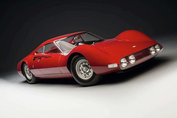 Ferrari Dino de 1965, o carro mais caro do leilão (Foto: Divulgação)