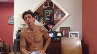 Irmão de Chorão (Foto: Youtube / Reprodução)