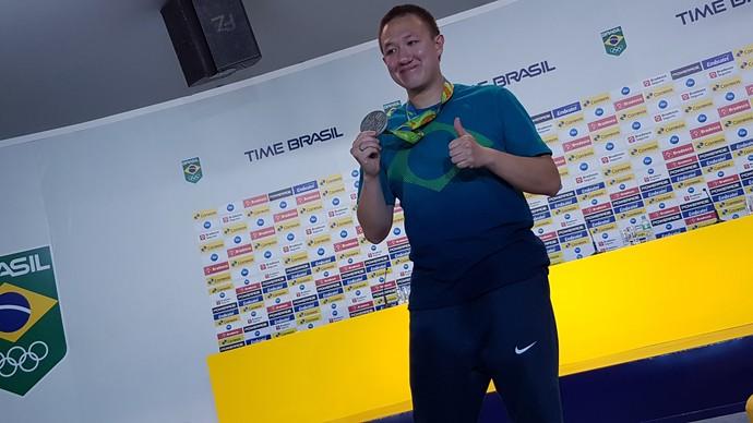 Felipe Wu tiro esportivo coletiva Casa do Time Brasil (Foto: Rodrigo Alves/GloboEsporte.com)