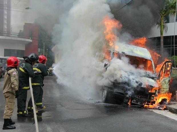 Incêndio foi registrado na tarde desta quarta (Foto: Corpo de Bombeiros/Divulgação)