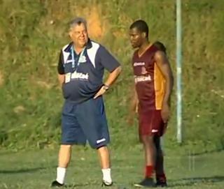 Josué Teixeira e Marquinho, treino do macaé (Foto: Reprodução)
