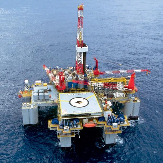 MIRAGEM Sonda da  OGX em operação  na Bacia do  Espírito Santo.  A produção superestimada iludiu investidores (Foto: Divulgação)