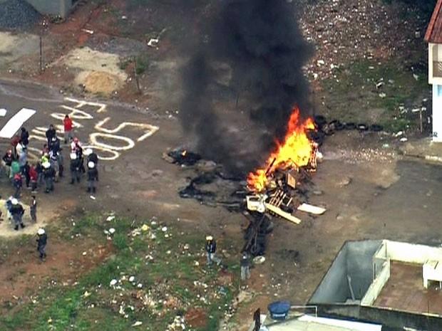 Reintegração de posse Zona Leste de SP (Foto: Reprodução/TV Globo)