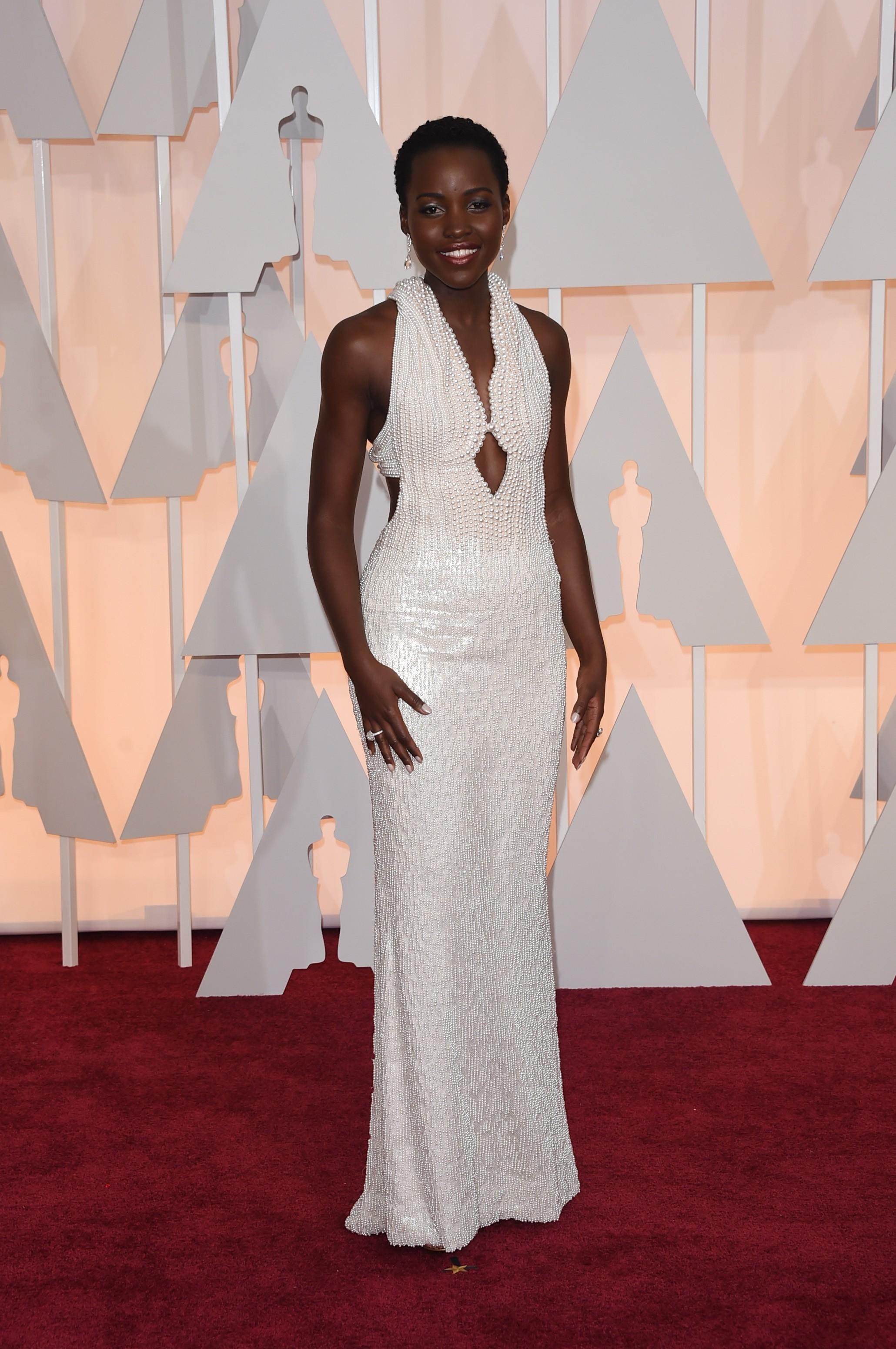 Vestido de pérolas usado por Lupita Nyong'o no Oscar é roubado