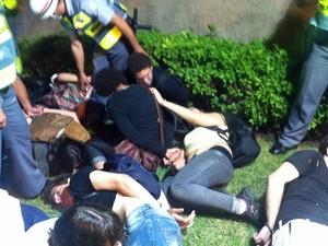 Detidos na região da Marginal Pinheiros (Foto: Marcelo Mora/G1)