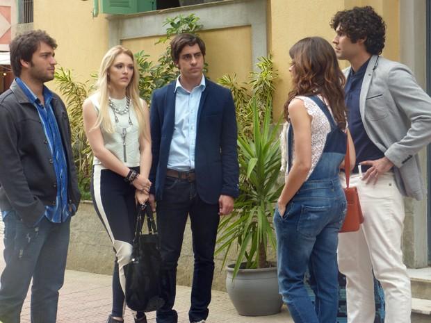 Manu indo para o aeroporto encontra Megan e Davi  (Foto: Geração Brasil/ TV Globo)
