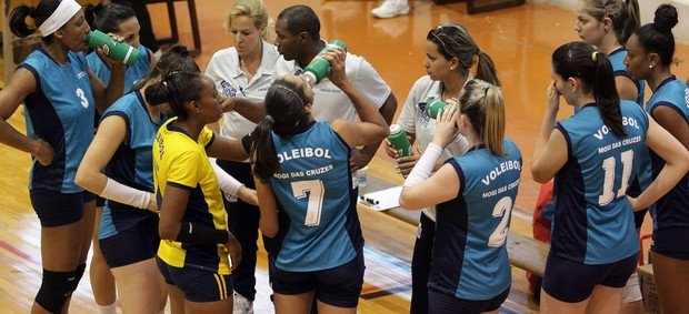 vôlei feminino mogi abertos bauru mogi 2 x 0 campo limpo paulista (Foto: Cleomar Macedo)