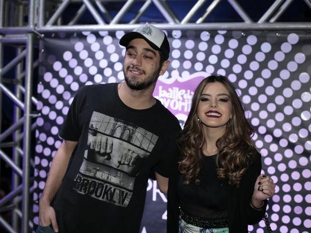 Miguel Rômulo e Giovanna Lancellotti em festa de Preta Gil no Rio (Foto: Isac Luz/ EGO)