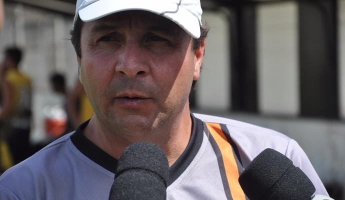 Técnico Gian Rodrigues, do Social de Fabriciano (Foto: Social/Divulgação)