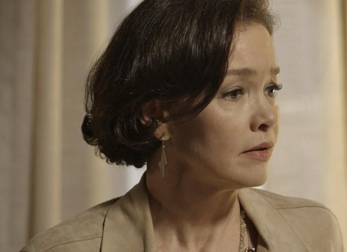 Dorotéia fica preocupada com o estado de Melissa (Foto: TV Globo)