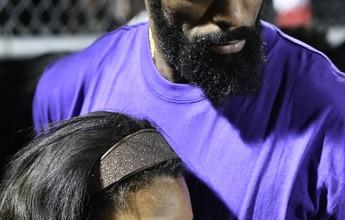 """Após morte da filha, Tyson Gay pede paz em vigília: """"Vida não é uma piada"""""""
