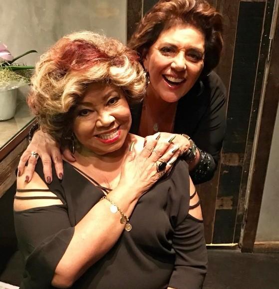 Alcione no camarim do Teatro Net Rio instantes antes de participar do sarau de Leda Nagle (Foto: Reprodução/ Instagram)