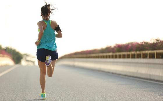 Corrida e atividades físicas: os remédios para dor muscular têm algum risco? (Foto: Thinkstock/Getty Images)