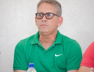 Edson Leivinha técnico União Barbarense (Foto: Sanderson Barbarini / Foco no Esporte)