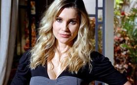 Flávia Alessandra comenta desafio de interpretar dois papéis em Morde & Assopra