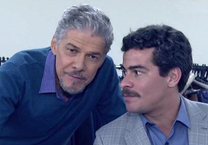 José Mayer e Thiago Martins mostram intimidade em gravação (Foto: Gshow)