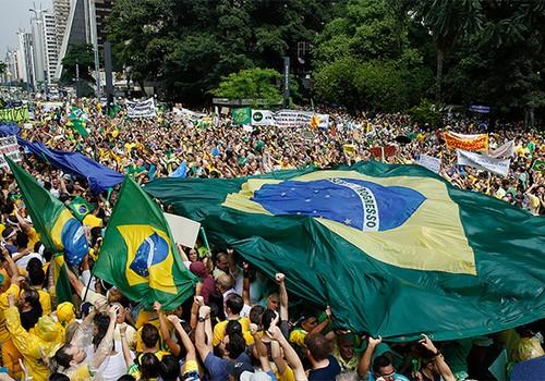 Manifestação na Paulista  (Foto: AP Photo/Andre Penner)