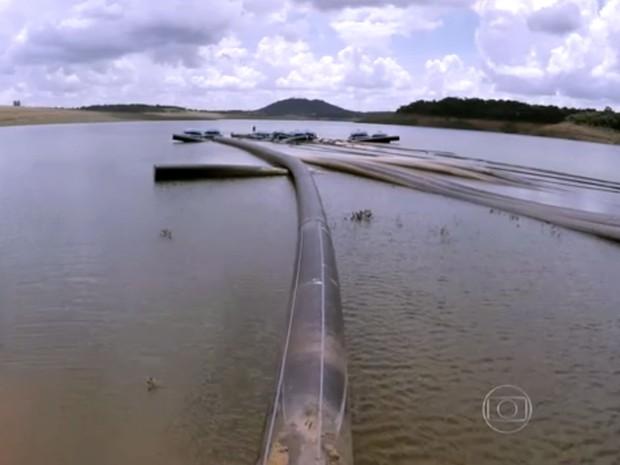 Represa do Sistema Cantareira no começo de janeiro de 2016 (Foto: Reprodução TV Globo)