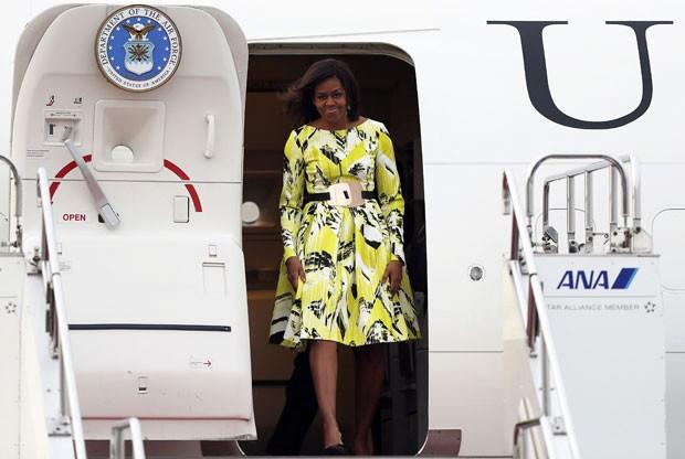 A primeira-dama dos Estados Unidos, Michelle Obama, chega ao Japão nesta quarta-feira (18) (Foto: Issei Kato/Reuters)